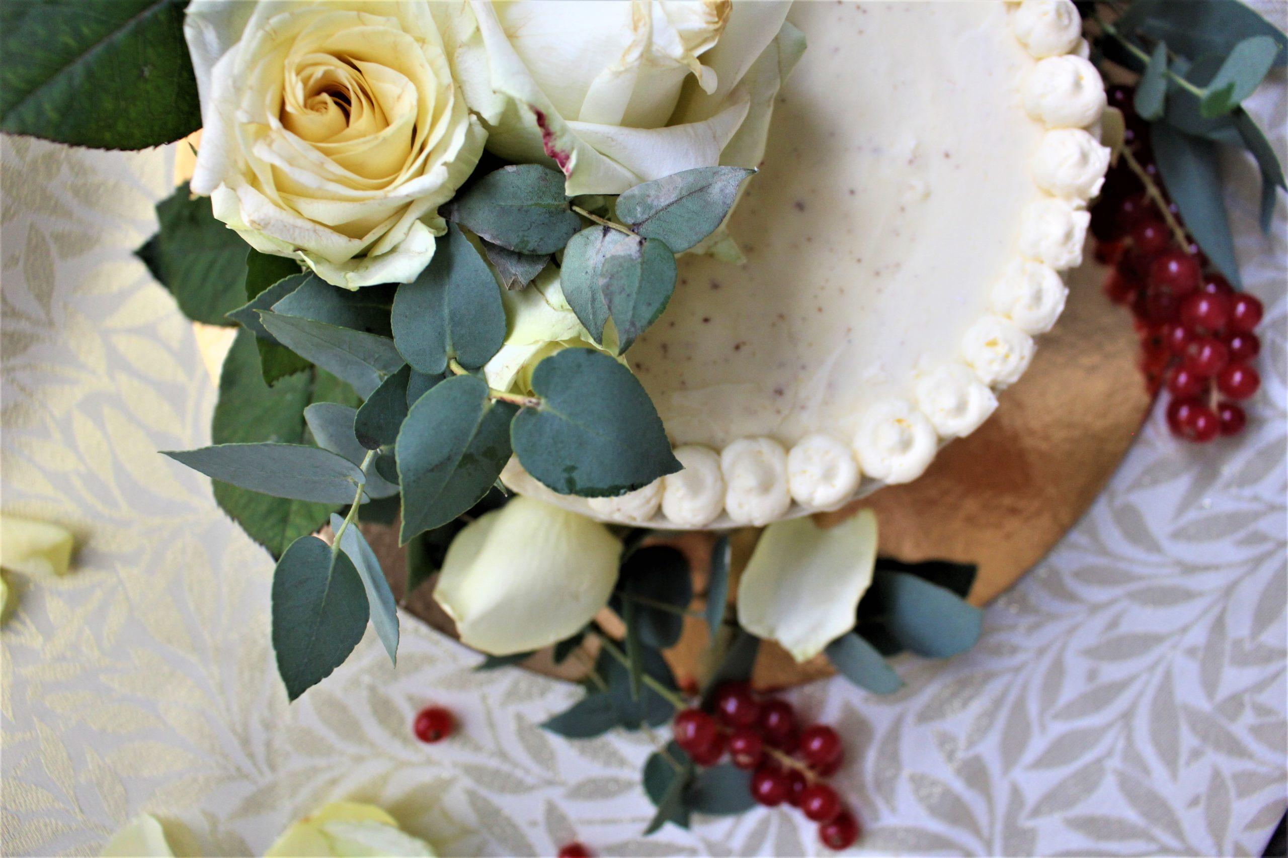 Glutenfreie, fruchtige Hochzeitstorte